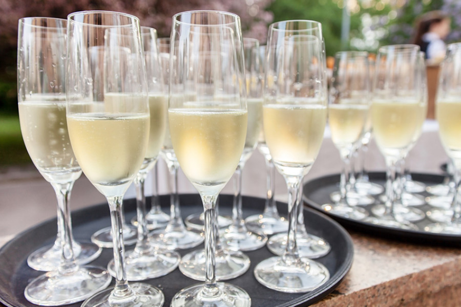 Which drinks to have at your reception?
